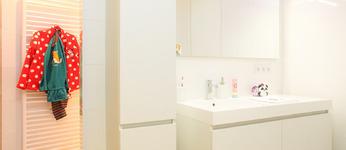 DOOREMONT JOHAN & ZN BVBA - Nieuwerkerken - Totaalinrichting badkamers